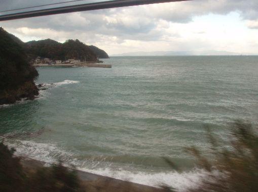 ↑特急「オーシャンアロー」号の車窓から/箕島→和歌山。 ↑特急「オーシ... 特急「オーシャンア